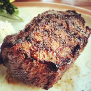 美味しいステーキ、いただきます。の写真・画像素材[1295996]