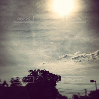 空には雲のグループの写真・画像素材[1328082]
