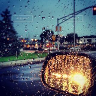 雨の運転の写真・画像素材[1328538]
