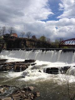 川の写真・画像素材[1328726]