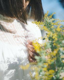 花と女子の写真・画像素材[1297918]