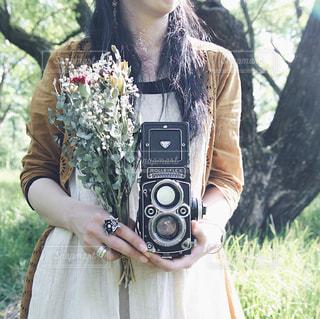 カメラ女子の写真・画像素材[1298446]