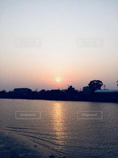 神崎川の夕焼けの写真・画像素材[1322357]