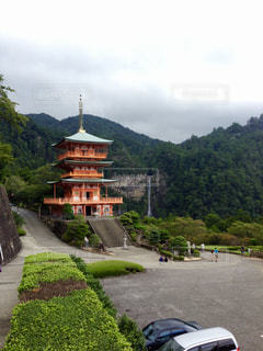 三重塔と那智の滝の写真・画像素材[1322361]