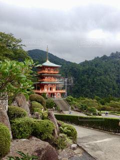 三重塔と那智の滝の写真・画像素材[1322362]