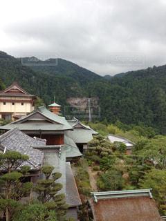 熊野那智大社と三重塔と那智の滝の写真・画像素材[1322365]