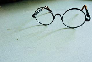 丸メガネ(ミニチュア)の写真・画像素材[1312018]