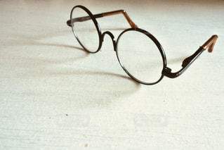 丸縁眼鏡の写真・画像素材[1312098]
