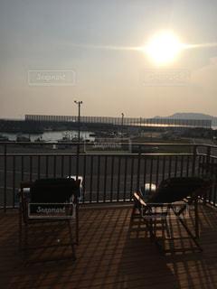 港の朝日の写真・画像素材[1299226]