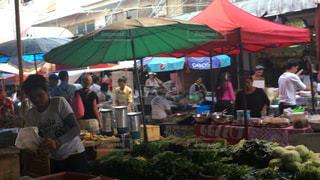 街の市場の写真・画像素材[1299227]