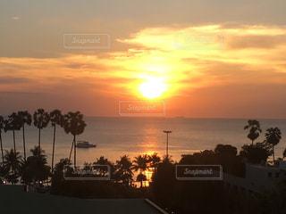 ジョムティエン ビーチの夕日の写真・画像素材[1299256]