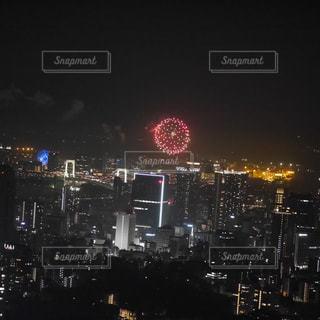 都会の花火の写真・画像素材[1380427]