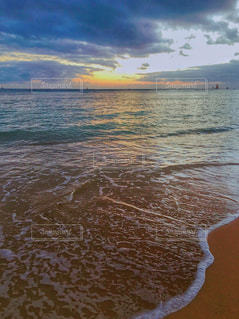 打ち寄せる波の写真・画像素材[1342595]