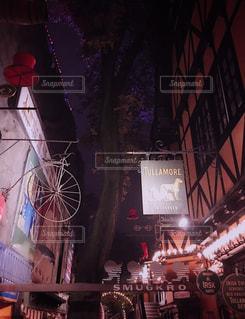 夜のお散歩の写真・画像素材[1344353]