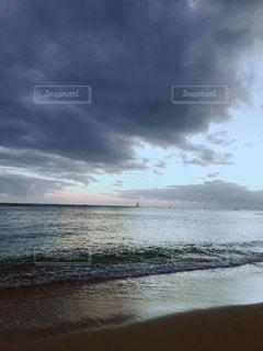 曇り空の写真・画像素材[1352333]