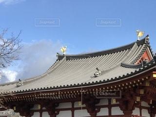 京都の平等院鳳凰堂の屋根の写真・画像素材[1304405]