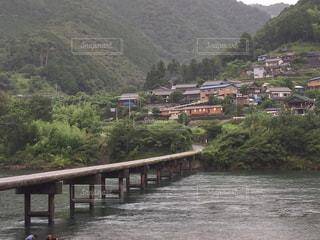 四万十川にかかる沈下橋の写真・画像素材[1304803]