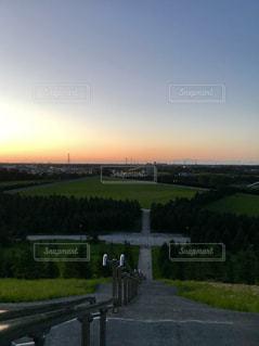 夕暮れ時のモエレ沼公園の写真・画像素材[1430703]