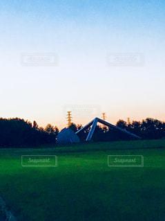 夕暮れ時のモエレ沼公園の写真・画像素材[1430709]