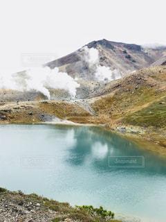 旭岳姿見の池の写真・画像素材[1496694]