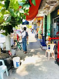 ミャンマーの歩道の写真・画像素材[1311365]