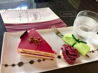 ピンクのケーキの写真・画像素材[1306980]