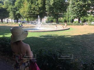 公園の少女の写真・画像素材[1366842]