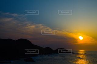 夕日と海の写真・画像素材[2225316]