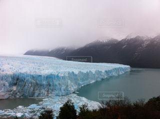 迫り来る氷の壁の写真・画像素材[1309854]