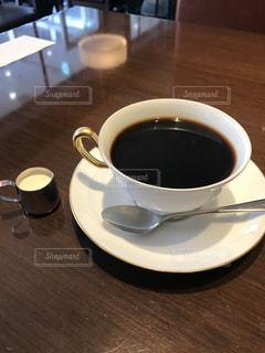 喫茶店でコーヒーの写真・画像素材[1336261]