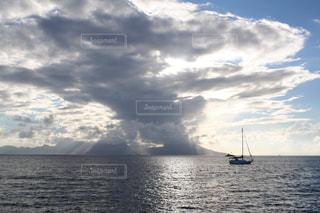 タヒチ島の海の写真・画像素材[1418699]