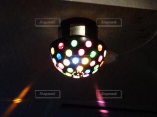 交通信号は夜ライトアップします。の写真・画像素材[1318875]