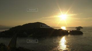 海に沈む夕日の写真・画像素材[1316551]