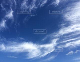 青い空に雲の写真・画像素材[1394396]