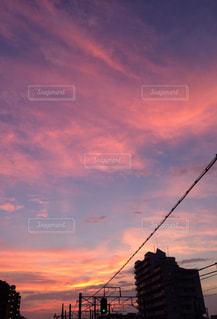 日没の前にトラフィック ライトの写真・画像素材[1394444]