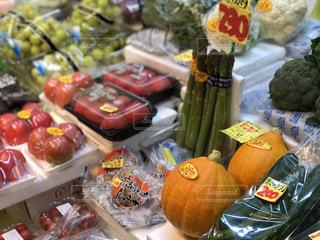食品のさまざまな種類の多くでいっぱいストアの写真・画像素材[1517021]