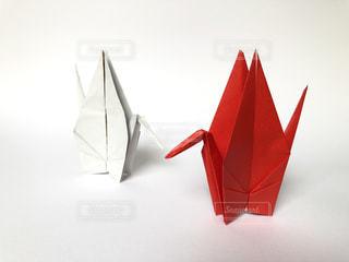 赤と白の傘の写真・画像素材[1520606]
