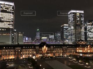 夜の街の景色の写真・画像素材[1537191]