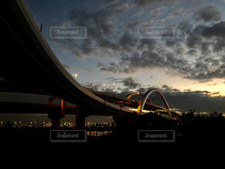 夜の街の景色の写真・画像素材[1607931]
