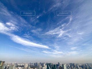 広角レンズで撮った東京の街並みの写真・画像素材[1651134]