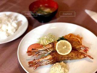 海老フライ定食の写真・画像素材[1686842]
