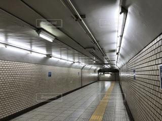 地下鉄  通路の写真・画像素材[1690209]