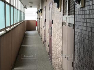 マンションの廊下の写真・画像素材[1322146]