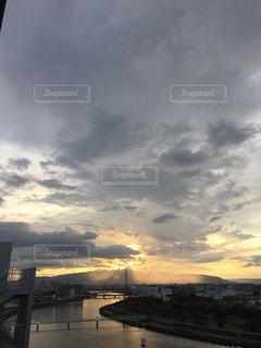 夕暮れ時の景色の写真・画像素材[1324414]