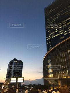 トワイライトとビルの写真・画像素材[1324417]