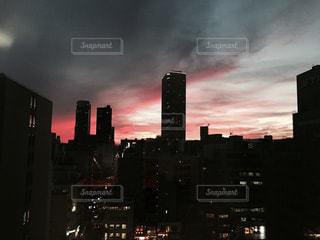 夜の街の景色の写真・画像素材[1328437]