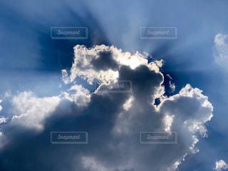 雲と光の写真・画像素材[1347036]