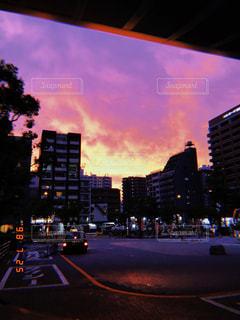 夜の街の景色の写真・画像素材[1326297]