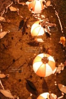 水面に映る提灯。の写真・画像素材[1594431]