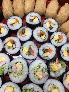 母手作りの巻き寿司の写真・画像素材[4776853]
